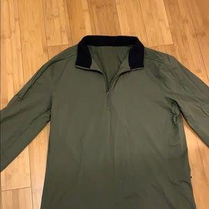 Lululemon Men's 1/2 zip in hunter green/black